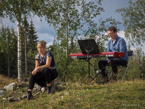 UNDERHOLDT: Karin Fristad og Tor Ingar Jakobsen.