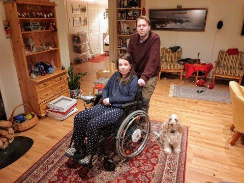 FORTVILER:  Tom Skotheim har dårlig helse, men må ta seg av sin syke kone Gunnheid. Han får ikke uføretrygd.