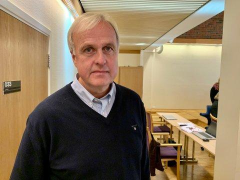 BURDE VÆRE KJENT: Lars Erik Flatø (Ap) bemerket at politikerne ikke burde ukjente med at at det er vanskelige arbeidsforhold på Skjervum.