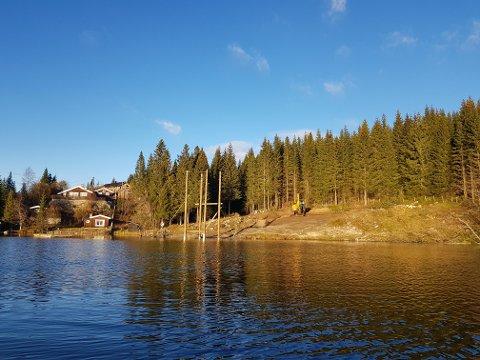 MYE GJORT: Det har allerede skjedd store endringer ved badeplassen på Svea. Til sommeren vil den ha fått helt ny drakt.