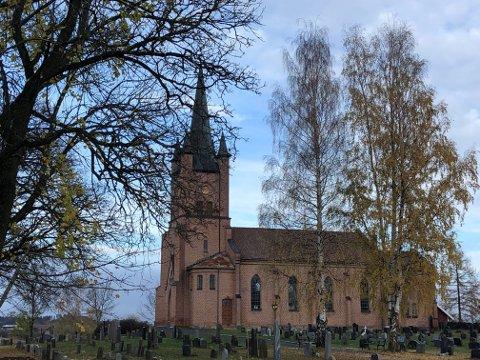 FÅR BESØK: Nye Tingelstad kirke får besøk av Lars Mytting i november.