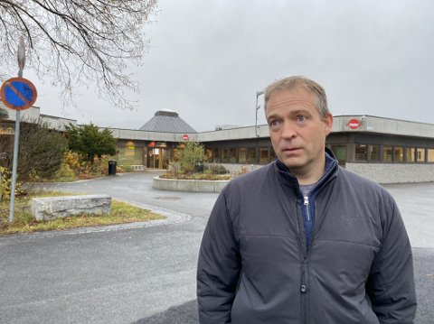 ALVORLIG: Ordfører Morten Lafton i Jevnaker kommune ser alvorlig på smittesituasjonen.