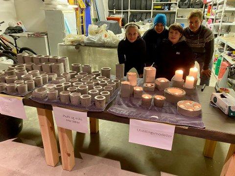 GARASJESALG: 14-åringene har verksted, lager og utsalg i garasjen hjemme hos Sivert. Fra venstre Oscar Sangnæs, Sivert Strande Fosse, Jacob Alm Holterbakken og Tord Bakken Andresen