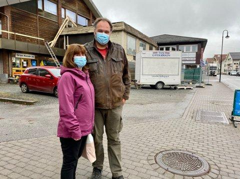 POSITIVE: Håvar og Marita Fruseth syntes det var helt ok med munnbindpåbud da det kom i forrige uke.