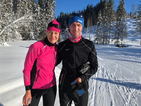 KOBLER AV I NORDMARKA: For Kjersti betyr trening og fysisk aktivitet avkobling og mentalt overskudd. Her er hun på skitur i Nordmarka sammen med samboeren Kim Magnus Boman.