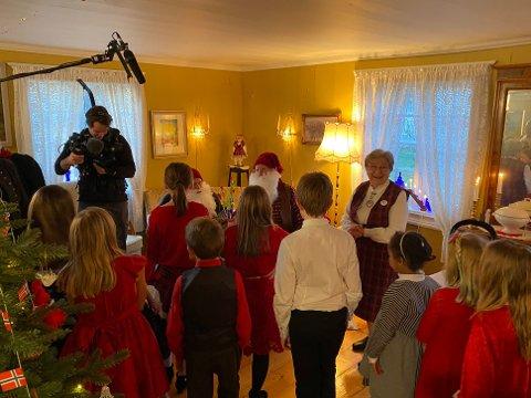 OPPTAK: Vi arrangerer juletrefest og er under opptak til juleepisoden i TV2s «Truls à la Hellstrøm».