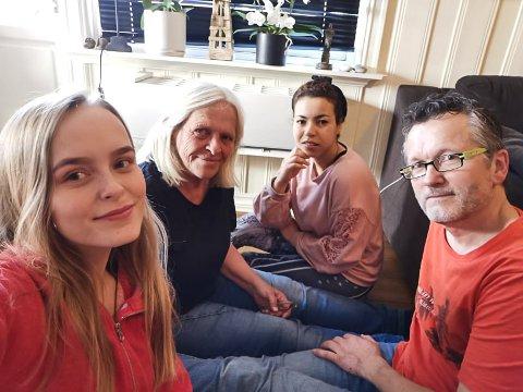 KARANTENE: Andrea, Hanne og Aida er i karantene, men ikke Kjetil. Hos familien Hoff Haga planlegges det inneaktiviteter.