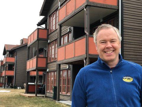 SNART KLART: Atle Hovi vil etter planen gjenåpne 220 hytter og leiligheter under Beitostølen Resort fra 1. juni.