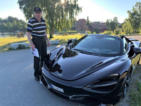 LANDETS ENESTE: Henry Harrfeldt med sin McLaren 720S Spider, 2019-modell. Bilen er den eneste i sitt slag i Norge.