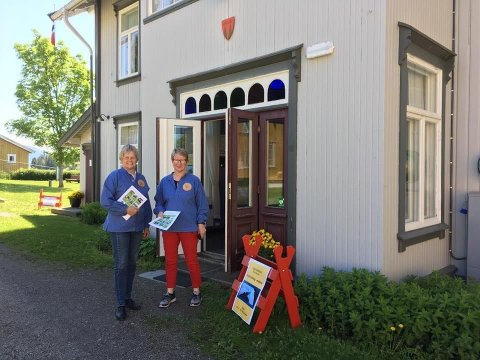 Verter: Turistvertene Reidun og Anne Margrethe er klare til å ønske deg velkommen til Granavollen.