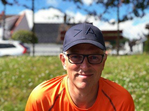 KJEPPHEST: Jan Inge Suggelia har kjørt mange kilometer av landet denne sommeren.