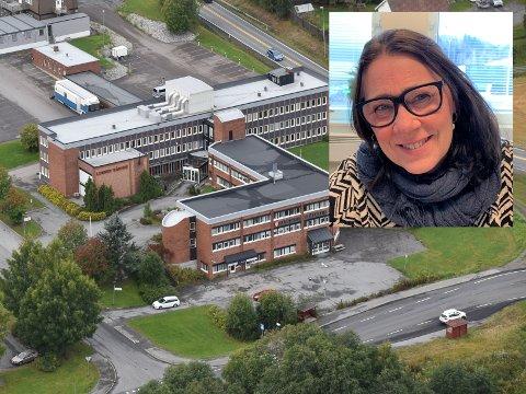 DIGITAL STØTTE: Lunner kommune har mottatt midler til digital hjemmeundervisning. Dette gleder May Birgit Kjeverud kommunalsjef oppvekst.