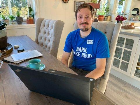 ENGASJERT: Martin Berge jr. fra Lunner er travelt opptatt med å planlegge årets TV-aksjon. Midlene som samles inn skal brukes i kampen mot barneekteskap. – Der hvor barn har det ille, har jenter det ofte verst, sier han.