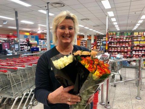 HÅPER: Marianne Ødegård gleder seg mest til morsdagen, men håper på blomster på valentinesdagen.