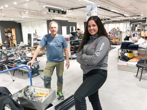 NY BUTIKK: Trond Brunsæl og Henriette Rise Herfindal i sportsbutikken, som nå pusses opp.