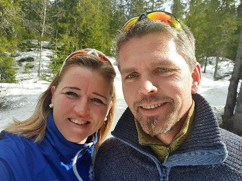 FIKK KORONA: Ekteparet Hanne Hungerholdt Hatlelid og Thomas Hatlelid ble koronasmittet. Det ble også deres tre barn.