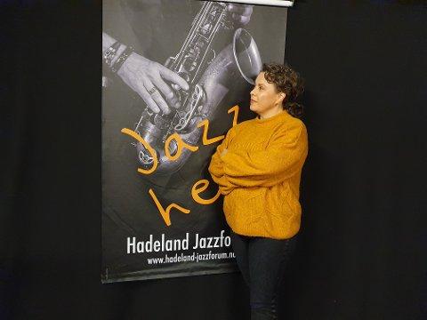 SER FRAMOVER: Kari Andersson gleder seg til konsert på Huset.