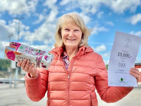 VANT: Liv Olaug Haug fra Jevnaker vant 10.000 kroner i Returkatronglotteriet i mai 2021.