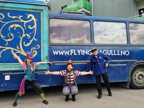 BUSS: The Flying Seagulls besøker Harestua boliger og avlastning.