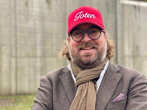 SATSER PÅ HUMOR: Ken Andre Ottesen er VG-journalisten bak Instagram-kontoen BAdesKen.
