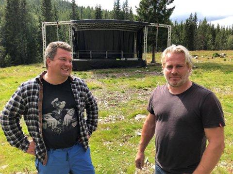KLARE: Morten Wien (til venstre) og Asle Beck er klare for festival på Brovoll førstkommende lørdag. Her er det kun plass til 500 og det har vært utsolgt lenge.