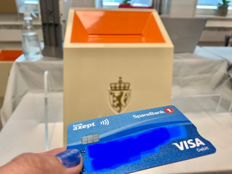 MED BILDE? Mange av de nye bankkortene er uten bilde. Det kan føre til litt krøll når du skal stemme.