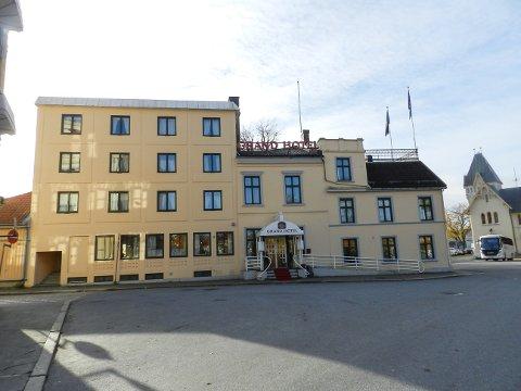 Bygningen med Grand Hotel og Siste Reis er solgt fra Per Voldberg til Tore Solbakken.