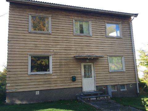 FORFALLER: En av boligene i Søsterveien som Sykehuset Østfold eier.