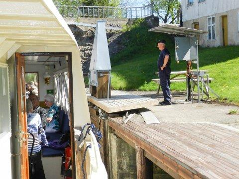 Helge Lervik er en av slusemesterne ved Strømsfoss sluser. Han er fjerde generasjon etter oldefaren som begynte å sluse i 1862. Hvis området ved siden av Kanaltangen blir utviklet til slusehotell, kan aktiviteten ved slusene økes betraktelig.