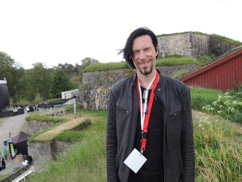 IKKE TILRETTELAGT: Festivalsjef for Tons of Rock, Svein Bjørge, forteller at Fredriksten festning ikke er tilrettelagt for større arrangementer.