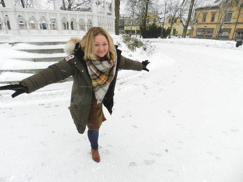 Positivt med skøytebane: Gry Jonassen er ny leder av Handel i Halden. En skøytebane her vil bety økt omsetning for næringsdrivende i sentrum.foto: Hanne Eriksen