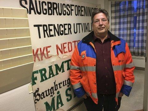 ENGASJERT: Paul Kristiansen er tillitsvalgt både på arbeidsplassen og i lokalsamfunnet. Ap-politikeren liker å følge med der det skjer, og samfunnet generelt og industrien spesielt opptar ham mest. Foto: Anja Lillerud