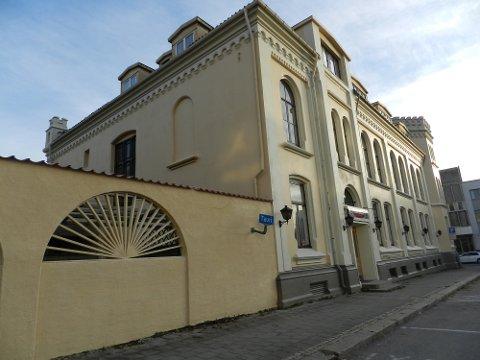 PUSSET OPP: Eierne av Arbeidersamfundet har  totalrenovert   fasaden.