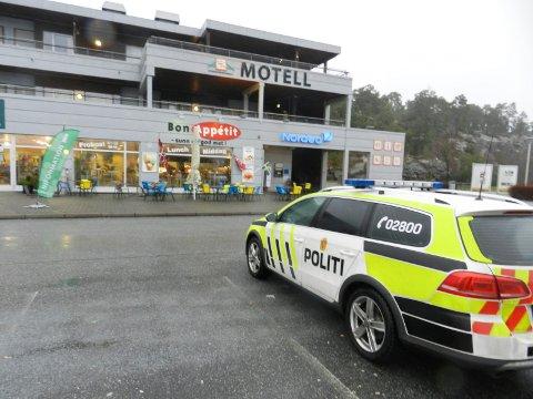 AKSJONERTE: Politiet rykket ut til asylmottaket på  Svinesundparken lørdag kveld etter medling om knivtrusler. Illustrasjonsbilde.