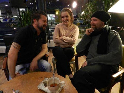 TAUBE: Dag Brandth (til venstre, Sanne Kvitnes og Frank Skovrand er med i Taube på festningen til sommeren.