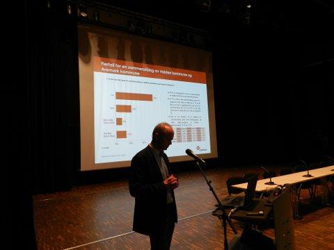 LAGT FRAM: Olav Ulleren som er konsulet for rådmannen, la fram tallene.