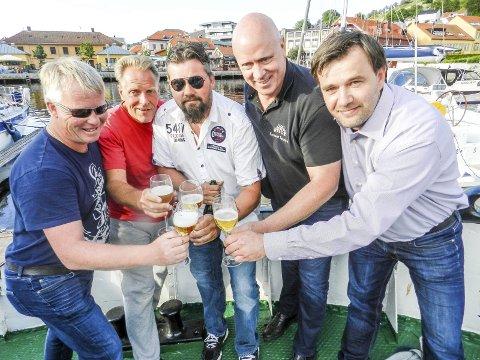 Matfestivalgjengen: Fra venstre ser vi Lars Woldheim, Tony Svendsen, Rino Nordahl, Arne Mørk og Jørn Brynildsen.Foto: Hanne Eriksen
