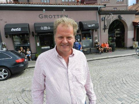 GROTTEN PÅ TORGET: Espen Flyvholm har fått mange henvendelser fra folk som ønsker å drive gatekjøkkenet.
