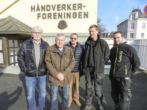 For få tomter: Per Nordlie (i midten) ber Halden kommune legge ut flere tomter for å få fart på boligbyggingen.ARKIVFOTO: Hanne Eriksen