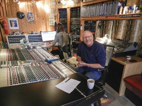 Lars Martin Myhre: Her på plass i Athletic Sound, der musikeren/ produsenten har laget ti plater de siste åtte årene.FOTO: OMAR ØSTLI