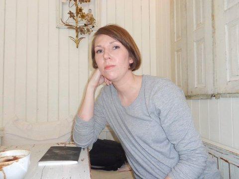 STYRELEDER: Vilde Heggem, som selv er poet og tidligere vinner av stipendet, er styreleder i minnefondet.