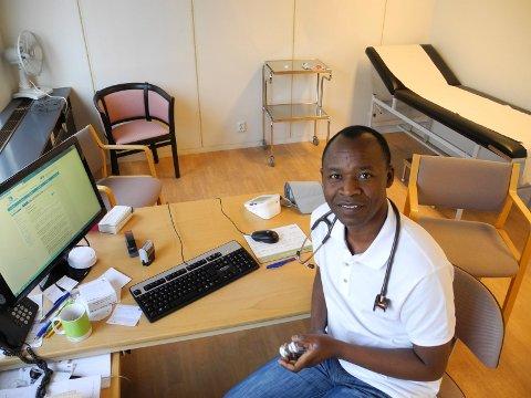 MIDT PÅ: Centrum Legekontor får 49,2 poeng i Forbrukerrådets test av fastlegekontorer. Fastlege Jean Claude Bishikwabo jobbet der fram til tidligere i år.