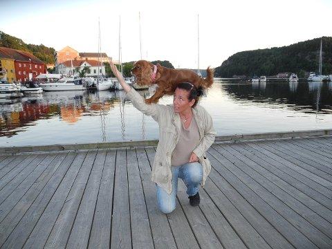 HUNDESHOW: Det blir hundeshow med Jessica Karlgren.