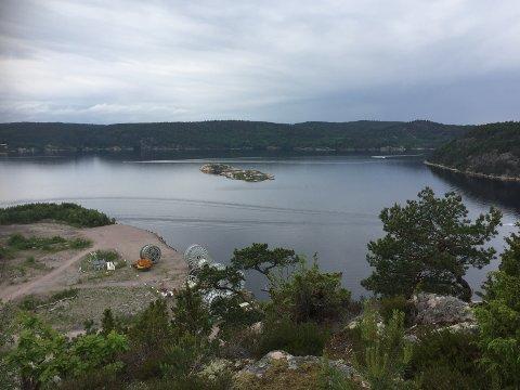 SAUØYA: Her ser du området sørvest på Sauøya som politiet den 29. november skal bruke som øvelsesområde til skytetrening.