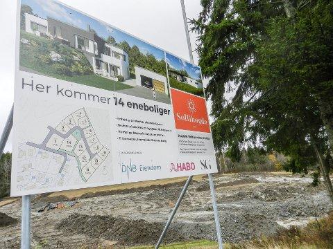 HER ER DET: De 14 eneboligene kommer i enden av det etablerte boligfeltet på Sollihøgda nær Remmen og Odde Bro.