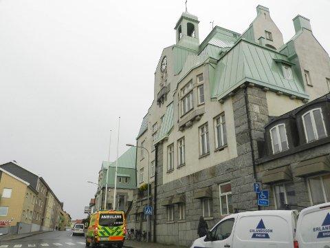 SMITTE: Ansatte ved rådhuset i Strömstad fikk korona. Arkiv.