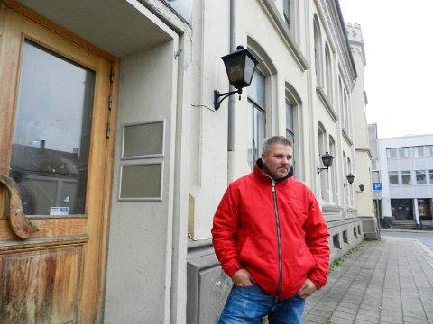 SAMFUNDET: Vestengveien Eiendomsutvikling AS eier bygningen.– Vi avventer, men har egentlig ventet lenge nok, daglig leder Dan Levi Berg-Nilsen.