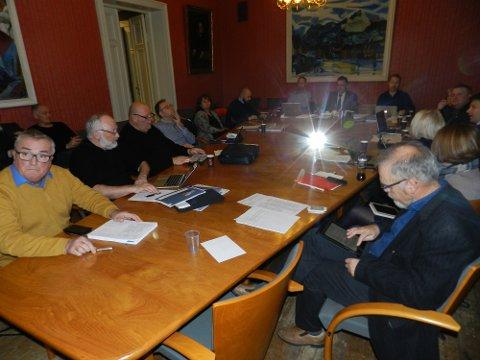 BLE VEDTATT: Her har formannskapsmedlemmene nettopp vedtatt Sentrumsplanen.