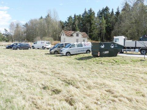 AVSKILTET: Fem av disse kjøretøyene mistet skiltene under kontrollen på Sørlifeltet.