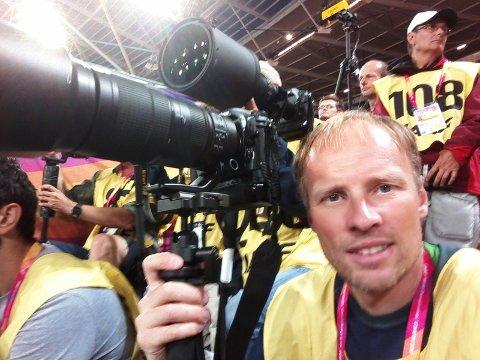 PÅ PLASS: Bjørn Johannessen var akkreditert fotograf under friidretts-VM, og tok 30.000 (!) bilder i løpet av ti VM-dager.